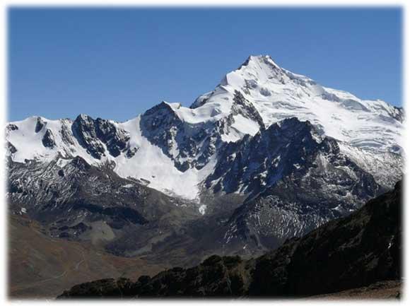 Oggi si parte verso un altro misterioso sito Inca. Lungo la strada per  arrivare al sito incontriamo una miriade di cani fermi sull attenti ai  bordi della ... dc69d7cce899